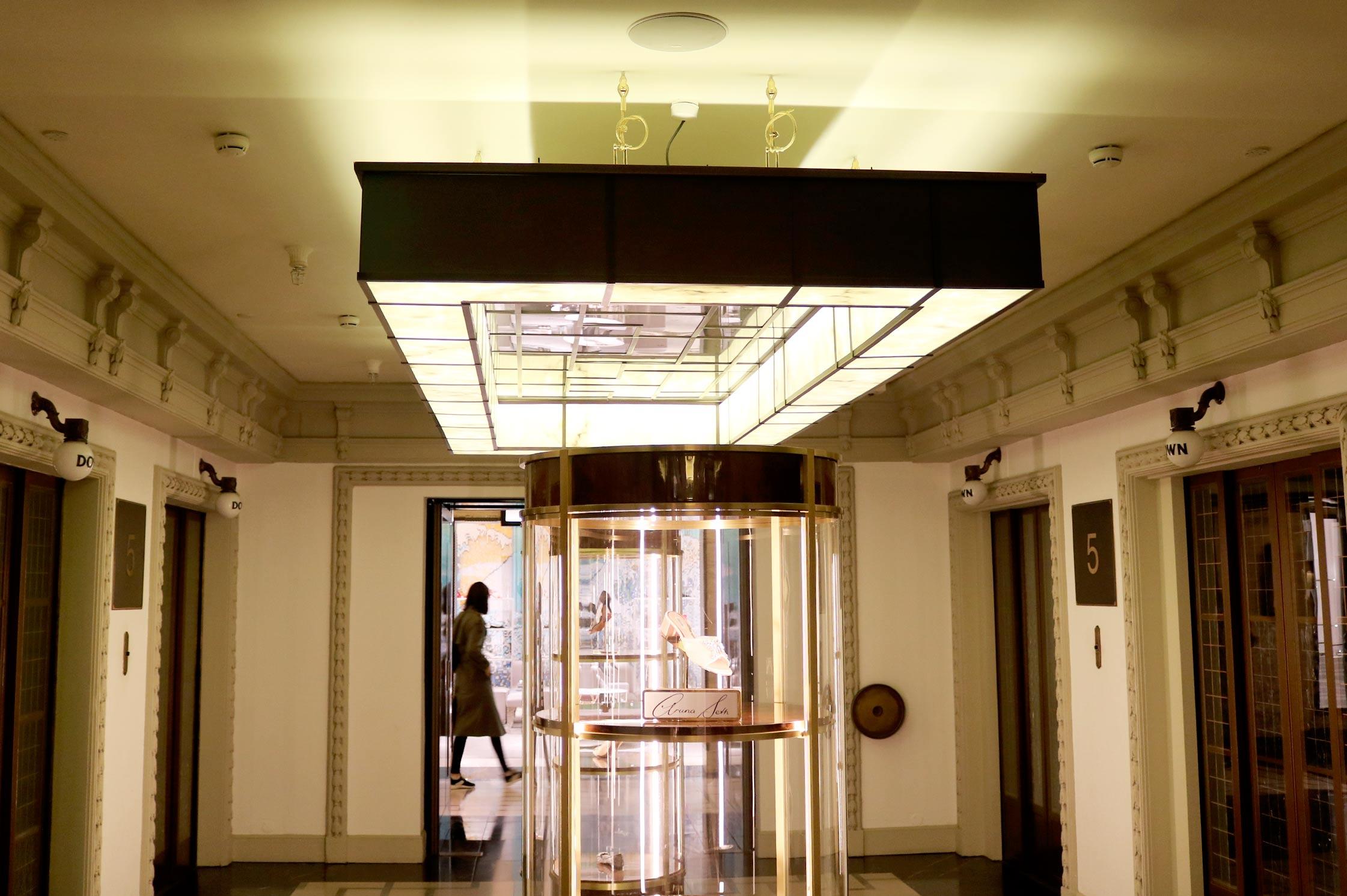 Interior designer cathy oliver showcases her work for for Interior designers central london